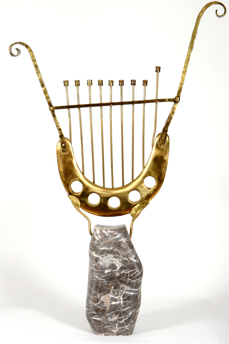 """David's Lyre Bronze"" – Artisitic lyre-shaped Hanucka menorah from Bronze & Marble"